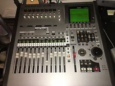 Roland VS-2400CD VS 2400 CD Digital Recorder  1680 1880 2000 2480 w/travel bag