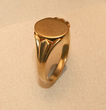 100% Genuine Vintage 9ct Yellow Gold Signet Ring.