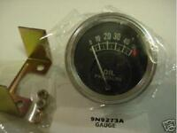Oil Pressure Gauge for Allis Chalmers Tractors: D10, D12, D14, D15 Gas, D17 Gas.