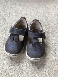 Clarks Cruisers First Shoes Size 4G