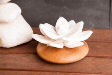 Duftstein Lotusblume, Keramik mit Holzsockel