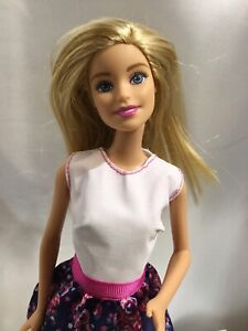 """Barbie 11.5"""" 2009 Blonde Joint Body With Floral Dress W/ Clear Stand #1186MJ 1NL"""