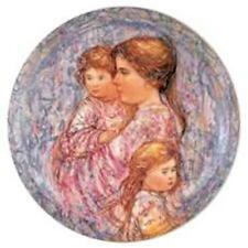 RARE Edna Hibel Perenna Plate~Gesa und Kinder~#4350~MIB~The Perfect Gift For Mom