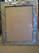VINTAGE SEAGULL PEWTER GRAPES, VINES AND LEAVES LARGE PICTURE FRAME CANADA 1997