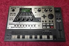 ROLAND Roland MC-307 Groovebox Drum Machine Synth  mc307