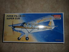 1:48 Academy N°1611 Piper pa-18-35 Super cub. kit. emballage d'origine