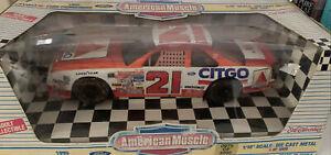Ertl American Muscle 1/18 1995 Ford Thunderbird Wood Bros Citgo #21 Car