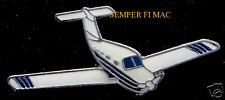 PIPER PA-28 ARROW LAPEL HAT PIN AIRPLANE PILOT WING SOLO GIFT WOW L@@K WOW