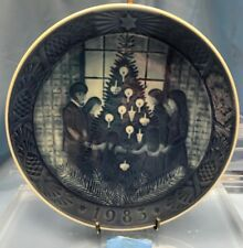 Royal Copenhagen Annual Christmas Plate 1983 Happy Christmas Q12