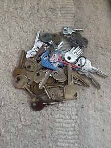 Job lot x old used keys
