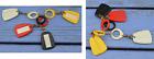 Lot de 4 porte-clés, Rosières, porte-étiquette, années 1960, jaune, rouge...