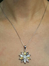 Necklace with Mother of Pearls Flower Pendant