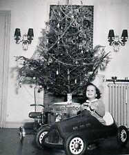NOEL c. 1950 - Enfant Voiture à Pédales - Div 2377