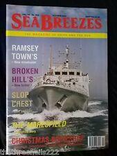SEA BREEZES #658 - RAMSEY TOWN'S MINEHUNTER - OCT 2000