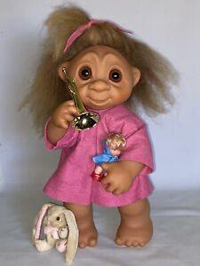 "Rare Vintage 1979 Thomas DAM 17"" TROLL #806 A/O Little Girl ""LIVVY"" w Toys NICE!"