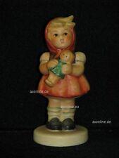 "Goebel Hummel 239/B ""Mädchen mit Puppe"", girl with doll, rot grün"