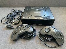 Sega Saturn (PAL, Model 1, Modchip) Spielekonsole mit zwei Controllern