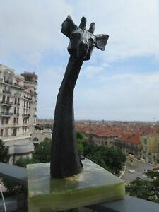 Authentique sculpture bronze 20 éme signée Juan Berrone:Girafe sur socle Onyx.TB