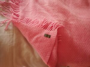 Beautiful Tweedmill  chunky pure wool candy pink bed cover blanket