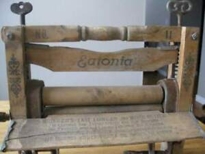 ANTIQUE EATONIA WRINGER   NO.11