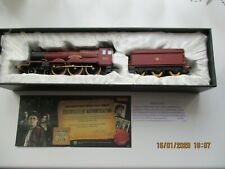 R3082Hornby Hogwarts Castle Locomotive Gold edition