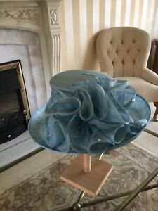 Stunning Pale Aqua Hat With Colourless Stones Jacques Vert