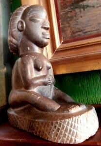 Sculpture féminine en pierre Gabon m,Bigu 1940 old stone figure art africain