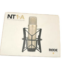 Rode NT1-A Studiomikrofon mit SM6 Shock Mount und Popschutz