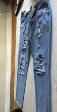 NWT. STAY CHIC  WEDR  JEANS. blue Distressed Narrow  Jeans Size M