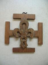 Ancien insigne Scout avec fleur de Lys en bois de 10,5 cm x 10,5 cm