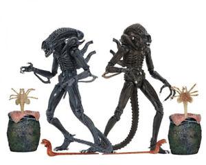 """NECA Yellow Blue Alien Warrior & Egg Face Hugger 8"""" Action Figure Aliens 2 Pack"""