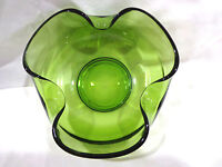vintage green glass scalloped pinched edge bowl
