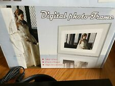 """LCD Digital Picture Frame size 7"""" x 10"""" - New - Open Box"""