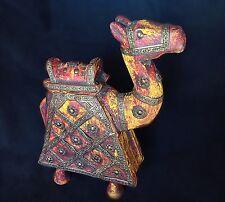 Statuette animalière marocaine en bois  et laiton cilselé, chameau porte bonheur