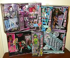 Lot of 8 NIB Monster High Dolls & Furniture Sets Deuce Catrine Spectra Clawdeen+