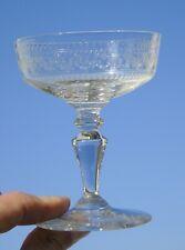 Baccarat? Coupe à champagne en cristal gravé. Circa 1900