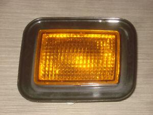 Hummer H2 Original Indicator Left 15060529 OEM Trainers Signal Lamp Light GM
