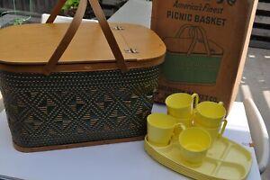 Vintage HAWKEYE Picnic Basket Green and Tan Burlington, Iowa As IS