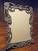 "Vintage Ornate Victorian Heavy Cut-Out Scrolled 5"" x 7"" Metal Photo Frame    122"