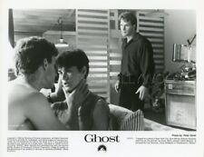PATRICK SWAYZE  DEMI MOORE TONY GOLDWYN  GHOST 1990 PHOTO ORIGINAL