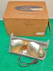 1974 Ford LTD Brougham Landau Country Sedan Squire NOS RH PARKING LAMP BODY