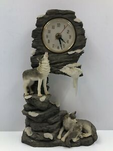 """Table Top Clock Howling Wolf  Wolves and Cub Pendulum Statue 11"""" x 7"""""""