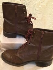 NEW LOOK Brown Lace Up Boots Faux Leather Size 6/39