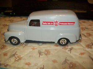 """Ertl # 9608 """"Mac Tools"""" 1950 Chevy Panel Truck Bank 1:25 Scale NOS"""
