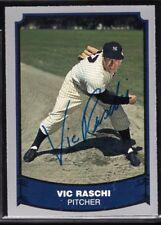 1988 Pacific Legenden #70 Vic Raschi Auto New York Yankees