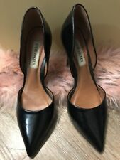 Steve Madden Black Close Shoe With Heels size 7
