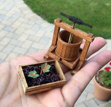 Sir Thomas Thumb Artisan Wine Press & Crate of Grapes 1:12 Dollhouse Miniature