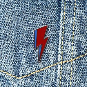 *RARE* David Bowie Aladdin Sane Lightning Pin Badge *UK STOCK*