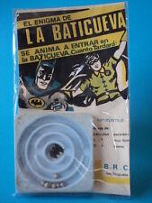 VINTAGE 1960s BATMAN BATCAVE (light blue) SKILL GAME CARDED NEW URUGUAY #231