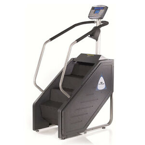 Stairmaster SM916 Stepmill with LCD Console - Remanufactured